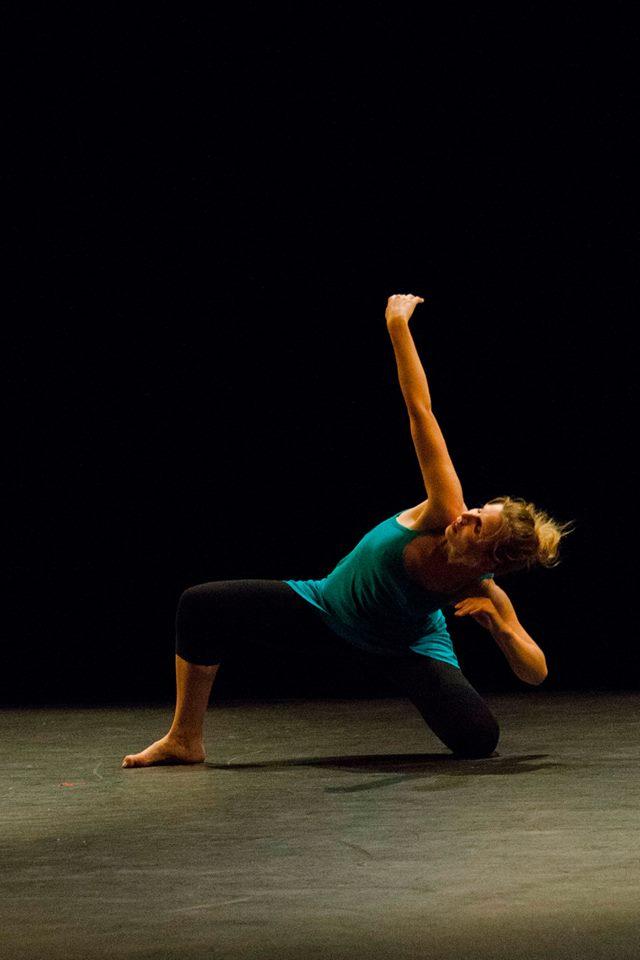 stage de danse contemporaine libre cours. Black Bedroom Furniture Sets. Home Design Ideas
